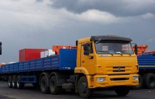Длинномер КАМАЗ (13,7 метров) по цене от 935 руб./час